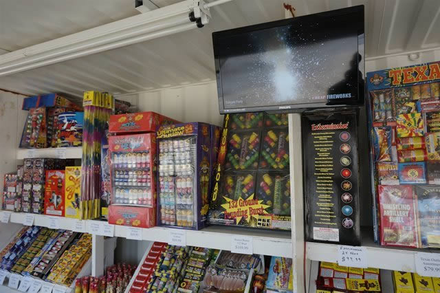 Houston Cheap Fireworks Mega Stand Video Demonstrations