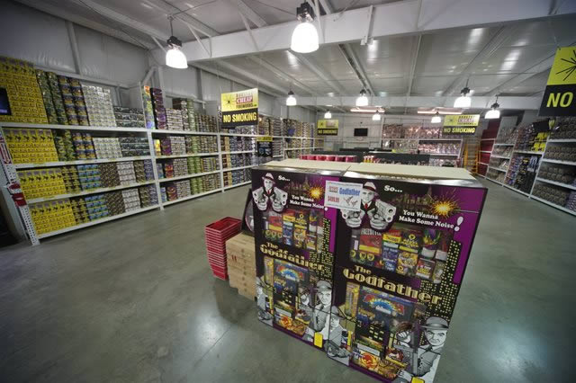 Largest selection of Fireworks Assortments and 500 gram cakes